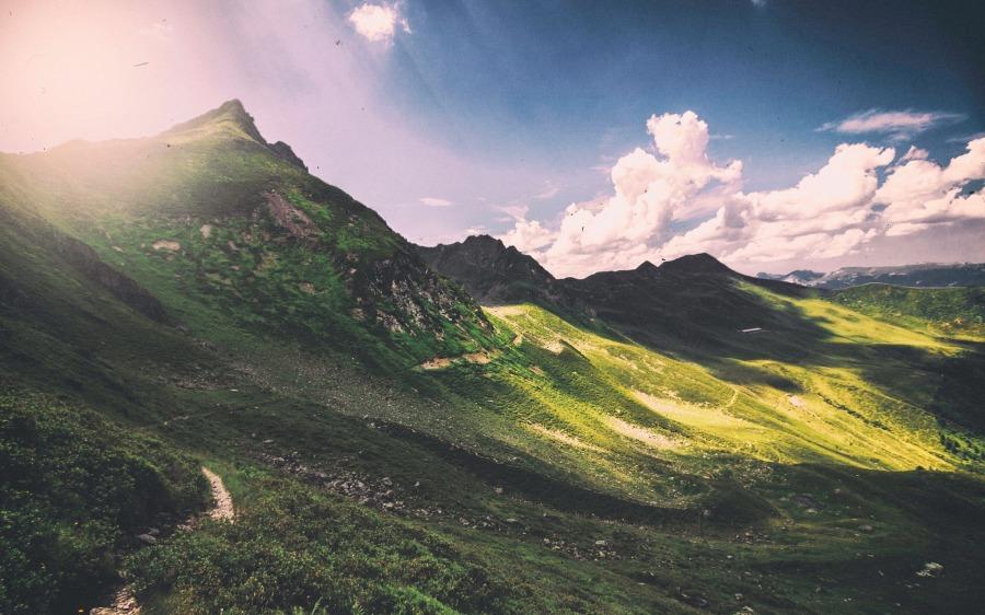 mountains-1246623_1920