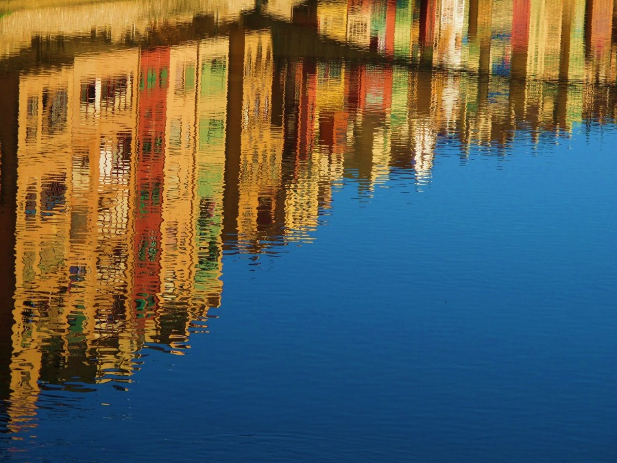 reflection-101005_1920
